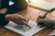 Por qué los derechos de propiedad son absolutos, pero los contratos no lo son