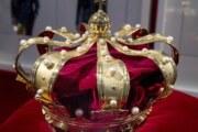 25 tesis para la monarquía